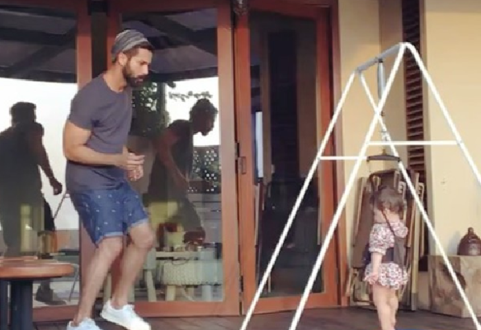 Adorable video of Shahid dancing with his daughter Misha.