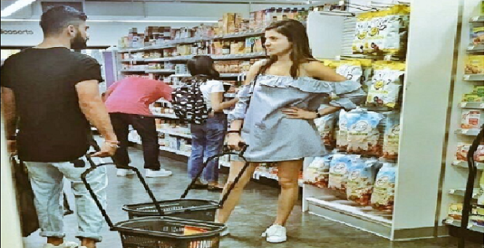 Virat and Anushka's shopping picture is the new meme of the season.