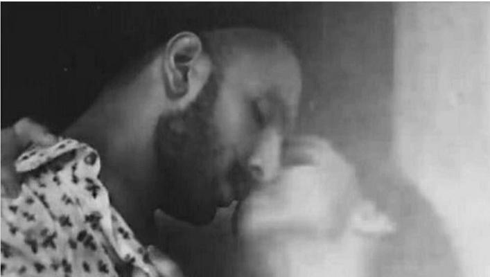Deepika-Ranveer unseen intimate kissing scene goes viral on Twitter.
